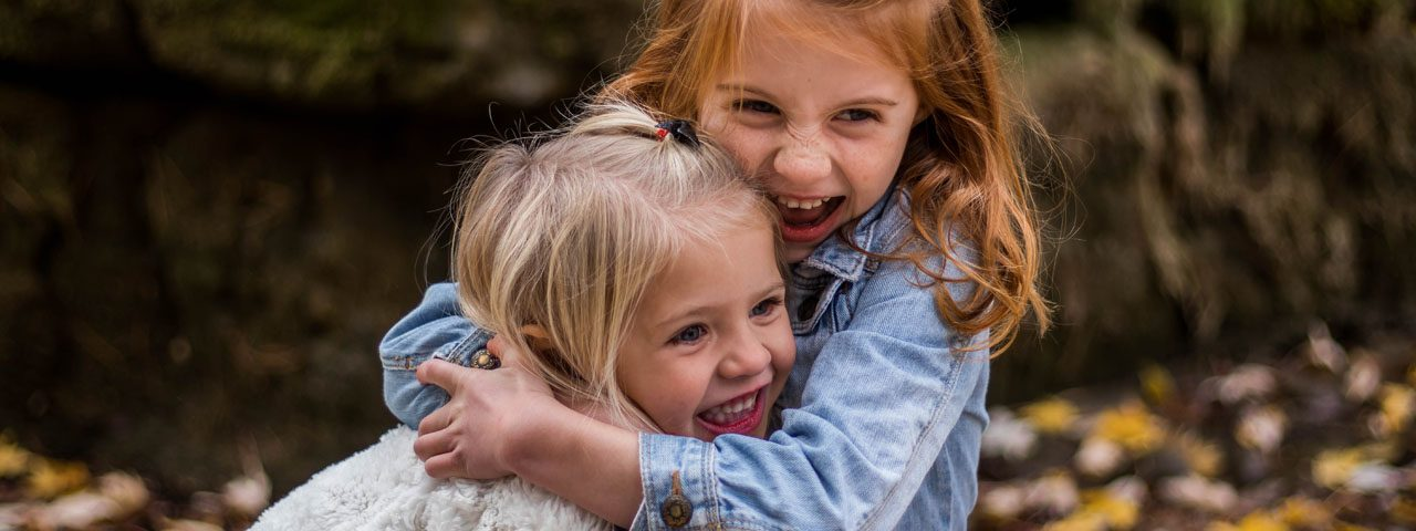 Cute Happy Children Hugging 1280×480
