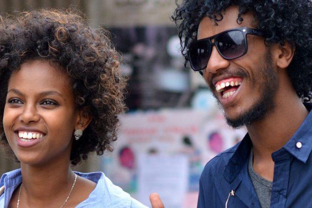 Happy African American Couple Sunglasses 1280x480 640x427
