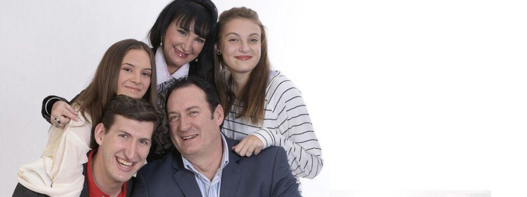 Happy Family Portrait, Eye Doctor, Laguna Beach & Irvine, CA