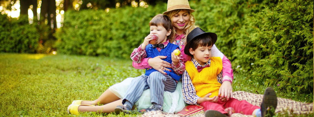 Mother and Sons Picnic 1280×480