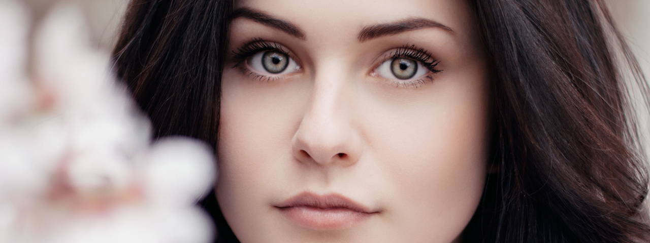 Woman hazel eyes