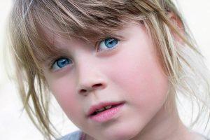 Eye doctor, blue eyed girl in Rockford, Illinois
