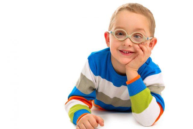 boy-wearing-glasses-st-louis-mo