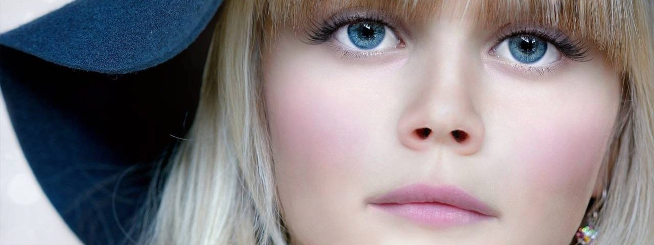 Girl Blue Eyes Serious 1280x853