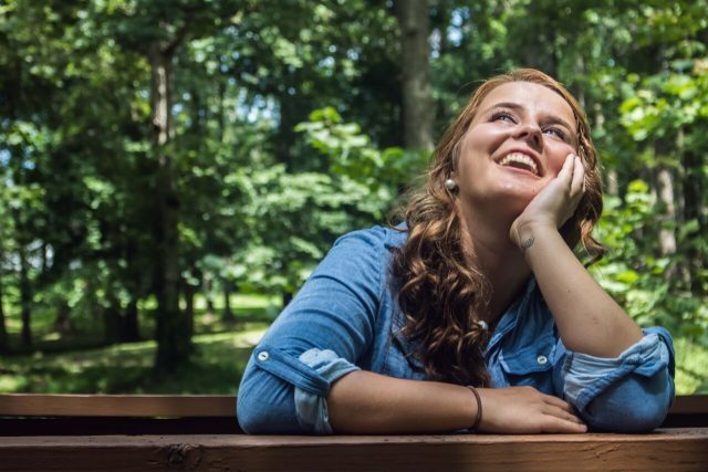 Girl20Smiling20in20Forest201280x853_preview1-640x427.jpeg