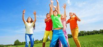 Kids Playing Ball Blue Sky 1280x853 330x150