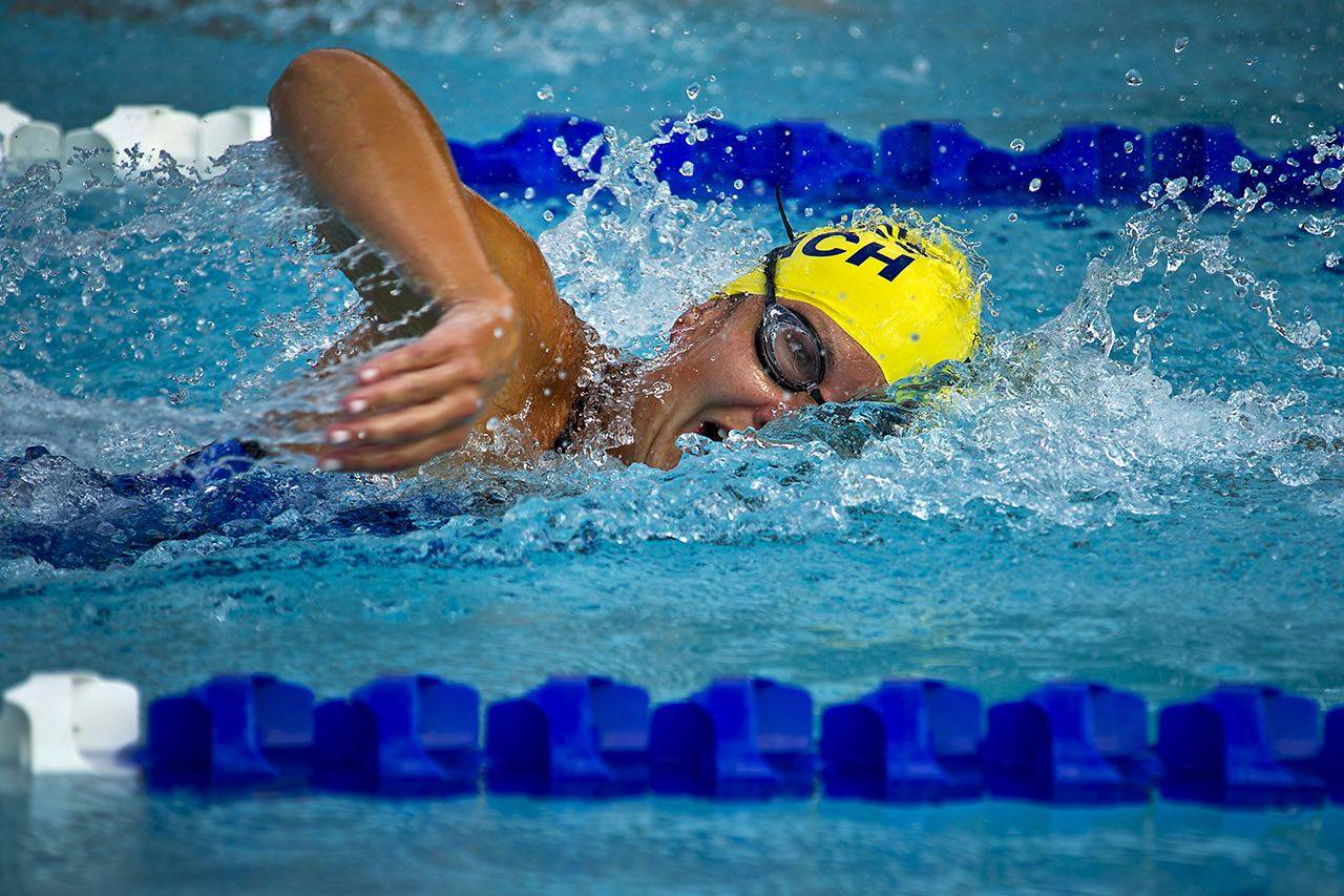 Sport_swimmer_competition-bkground_sm