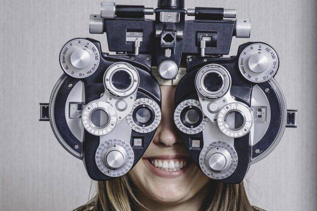 girl eye exam2 bkground sm