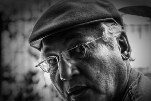 glasses senior man hat bw 853
