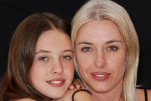Optometrist, mother and daughter wearing contact lenses in Kissimmee & Lakeland, FL