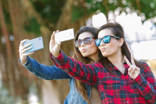sunglasses teens selfie