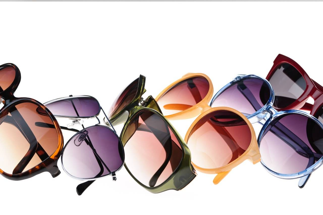 various_colorful_sunglasses_row