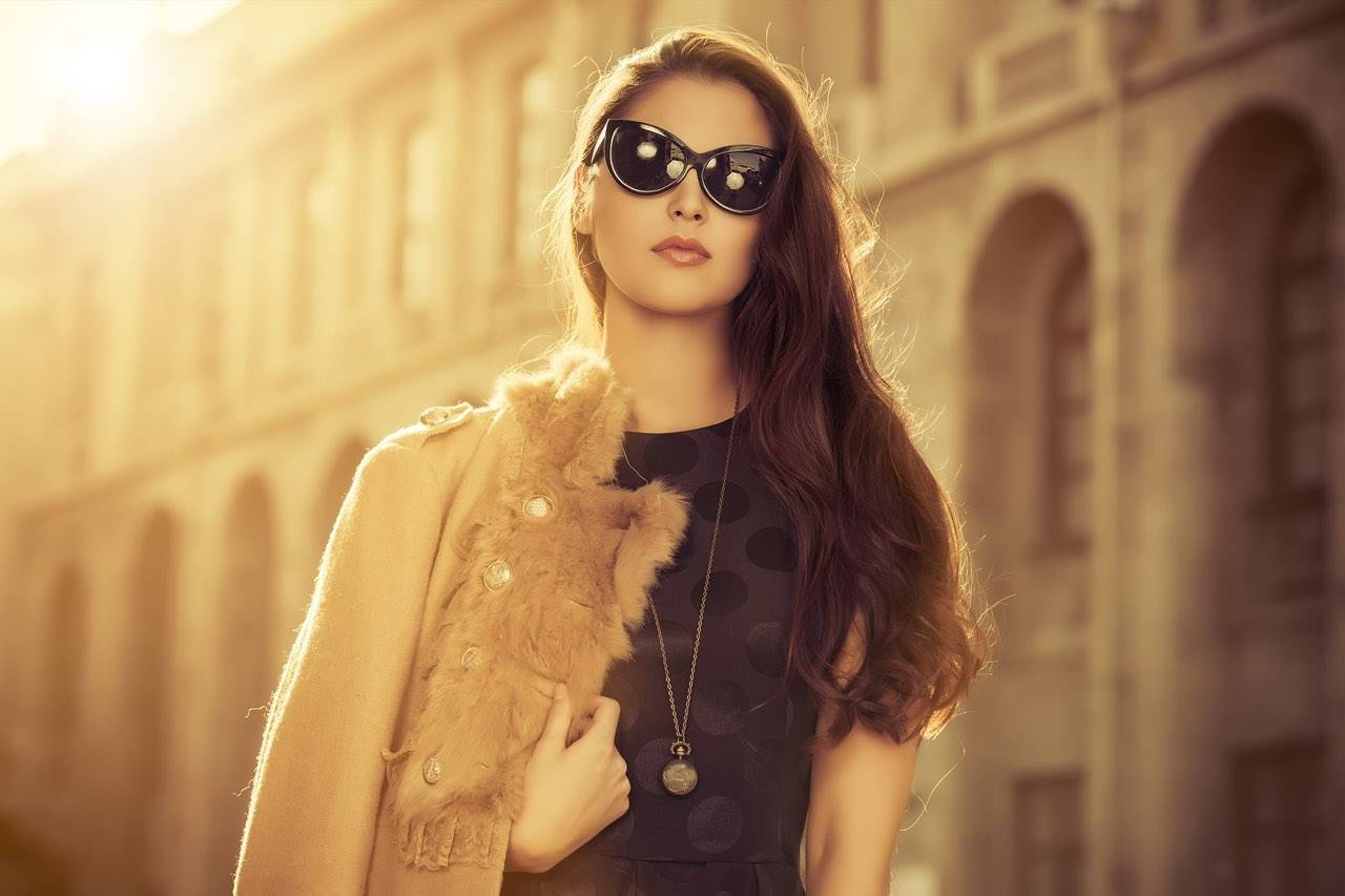 woman wearing sunglasses in rome