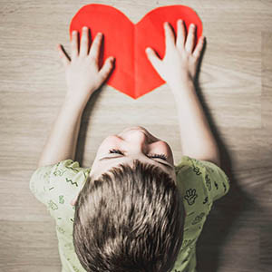child w heart ortho k 300px