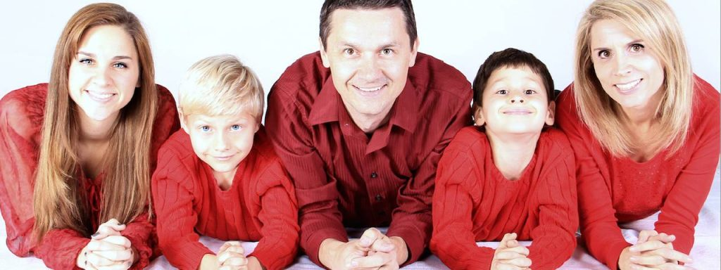 family of five in red in O'Fallon