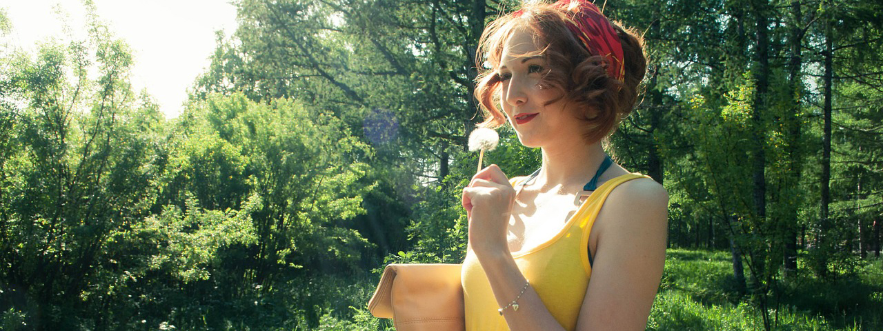 girl-with-yellow-dress-and-dandelion-1280x480
