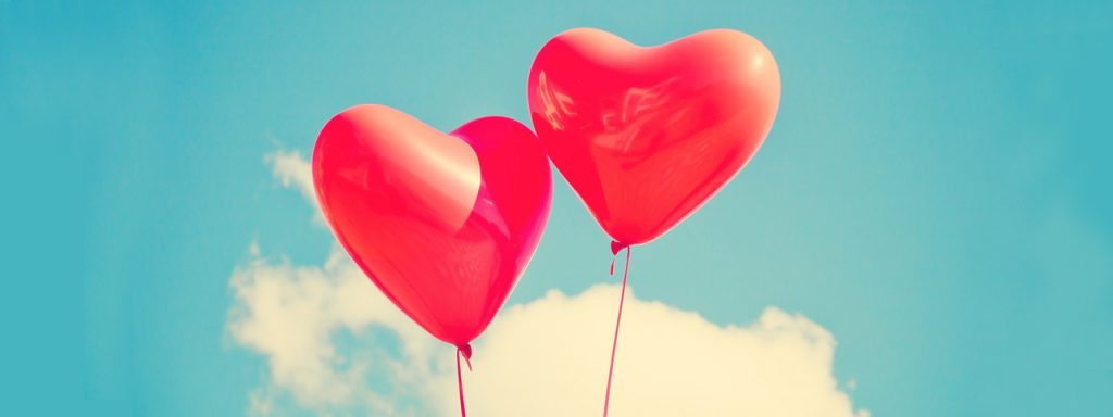 heart_balloons_in_sky_1280x480 1024x384