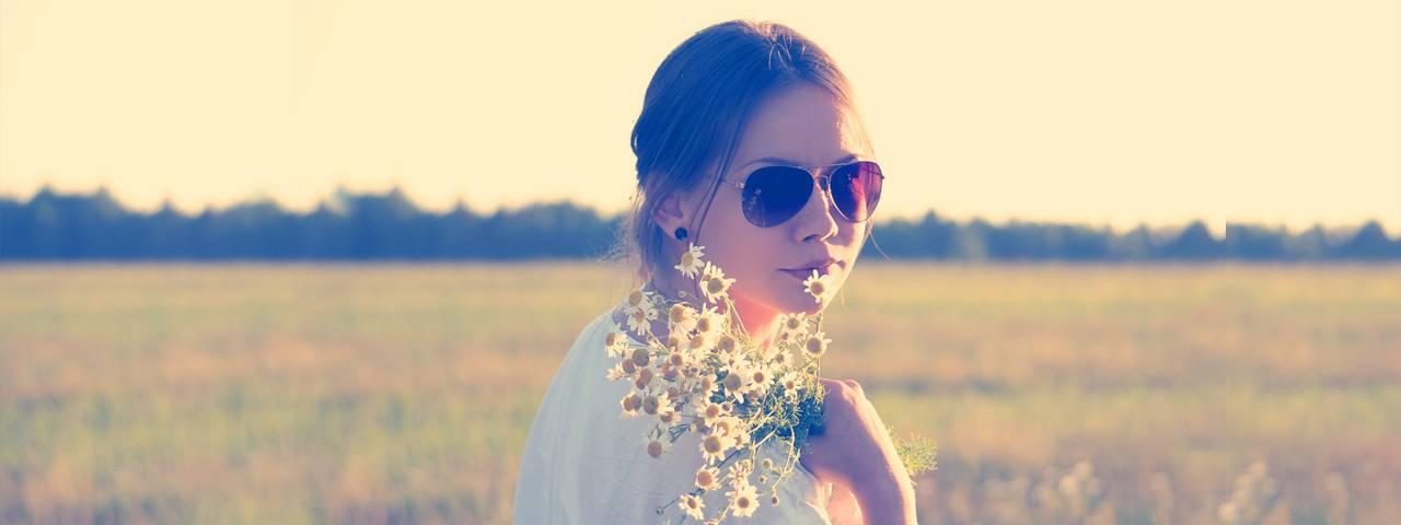 teenager sunglasses in Brampton Ontario