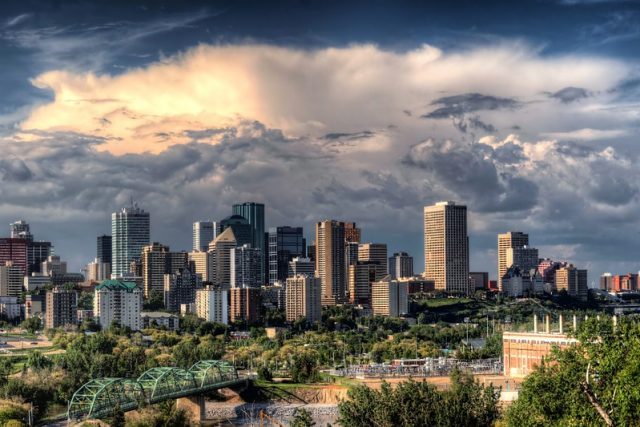 City view of Edmonton, AB