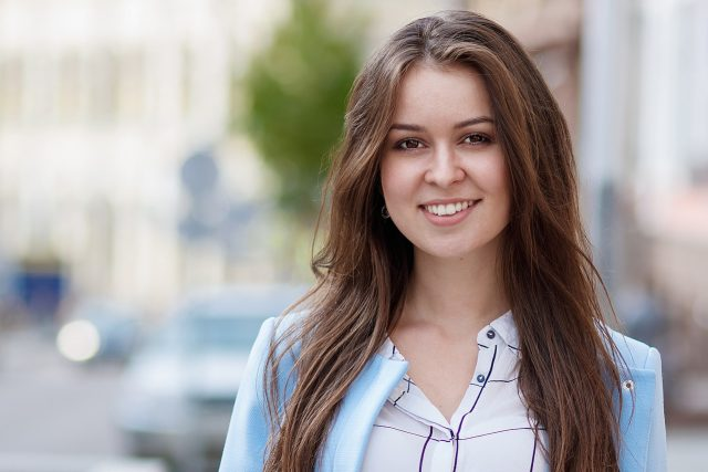 Girl Smiling Brown Hair 1280×853