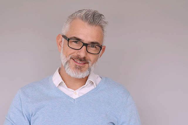 middle aged man wink 640x427.jpg