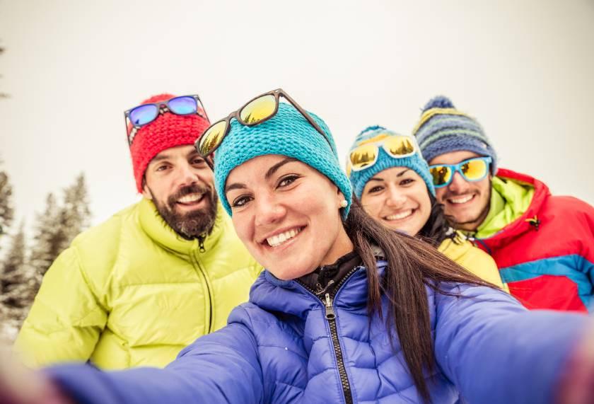 snowboarders-selfie