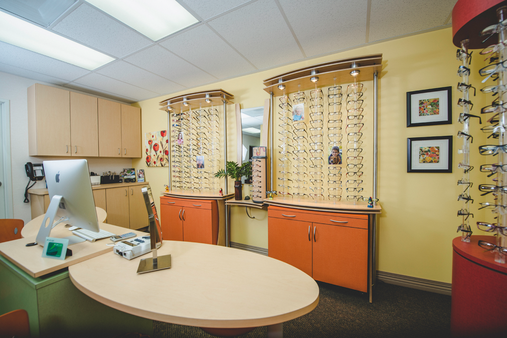 Oxnard California eye care staff