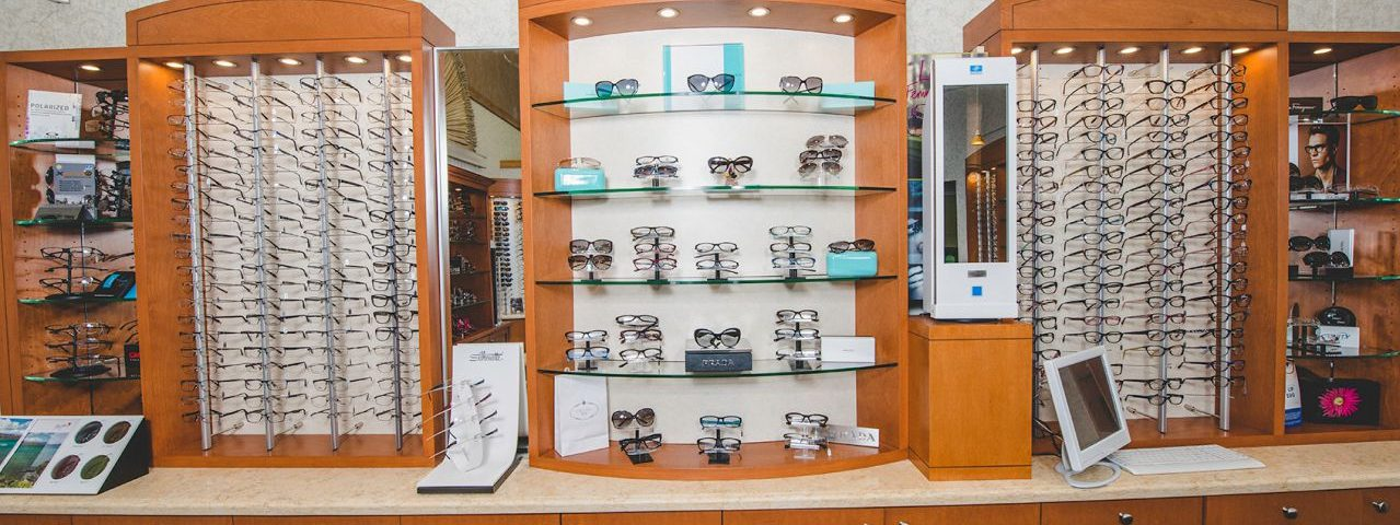 family optometric group eyewear display compressed
