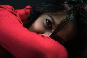 woman black eyes_1280x853 300x200