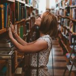 woman-in-library_640-150x150