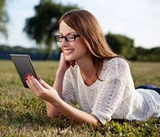 girl-with-computer-glasses