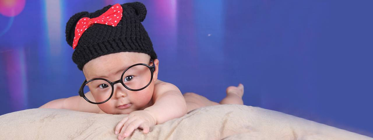 baby_big_glasses_hat_1280x480