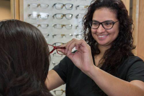 Jennifer, Optical Assistant