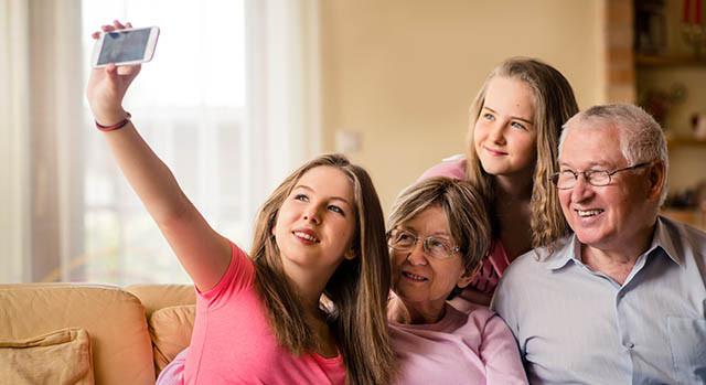 family selfie parkinson_640x350