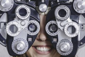girl_eye_exam2 bkground_med 300x200