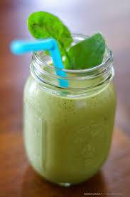 healthy green smoothy - nutrition for your eyes
