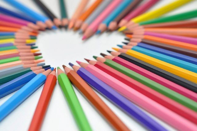 Heart Shaped Colored Pencils 1280x853 640x427