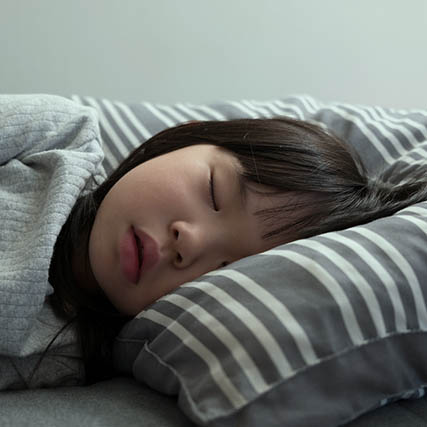 Asian-Child-Sleeping-Ortho-k-Sqr