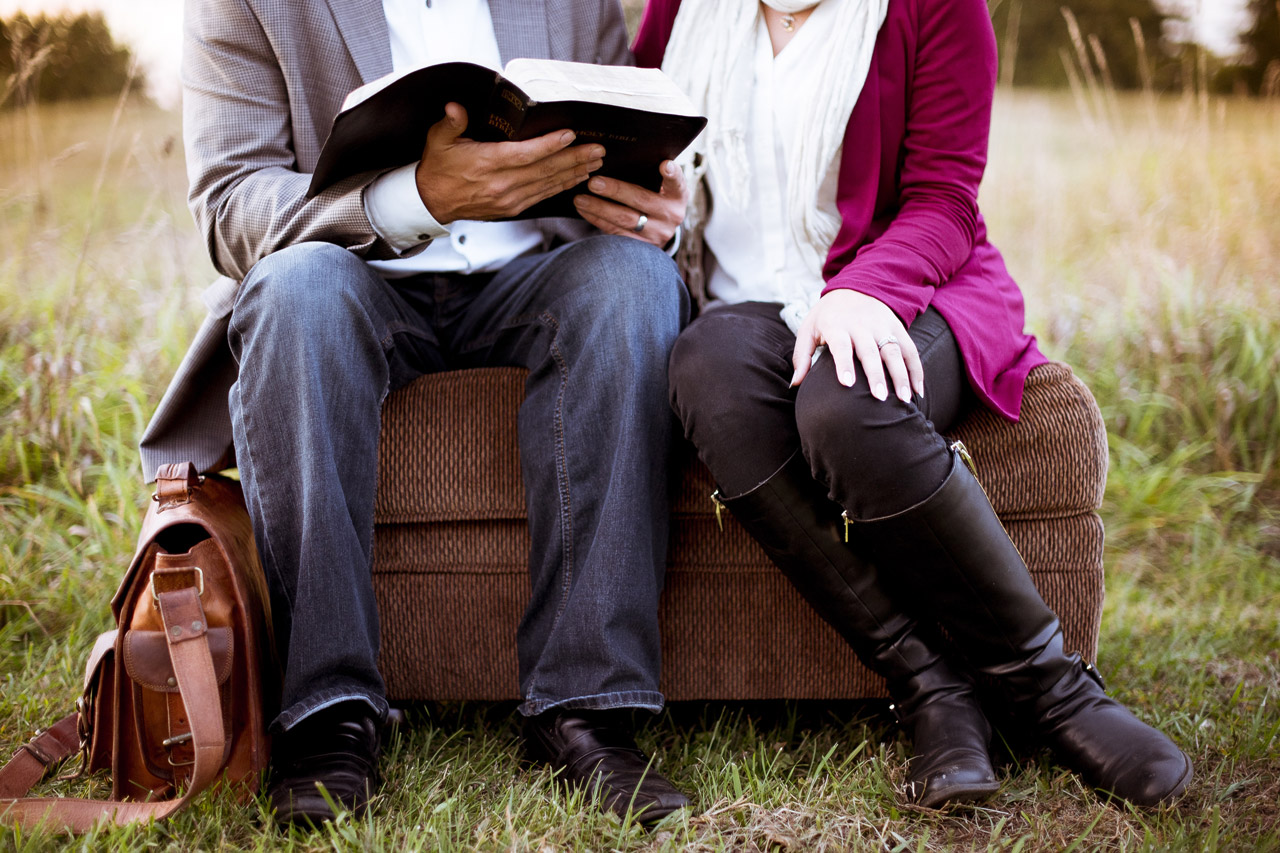 Couch Bible 1280X853