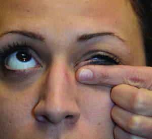 eyelid finger paper 2