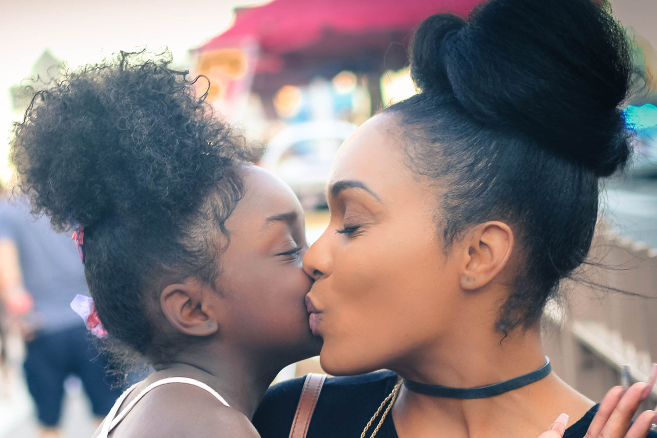 mother child african american kiss1280x853