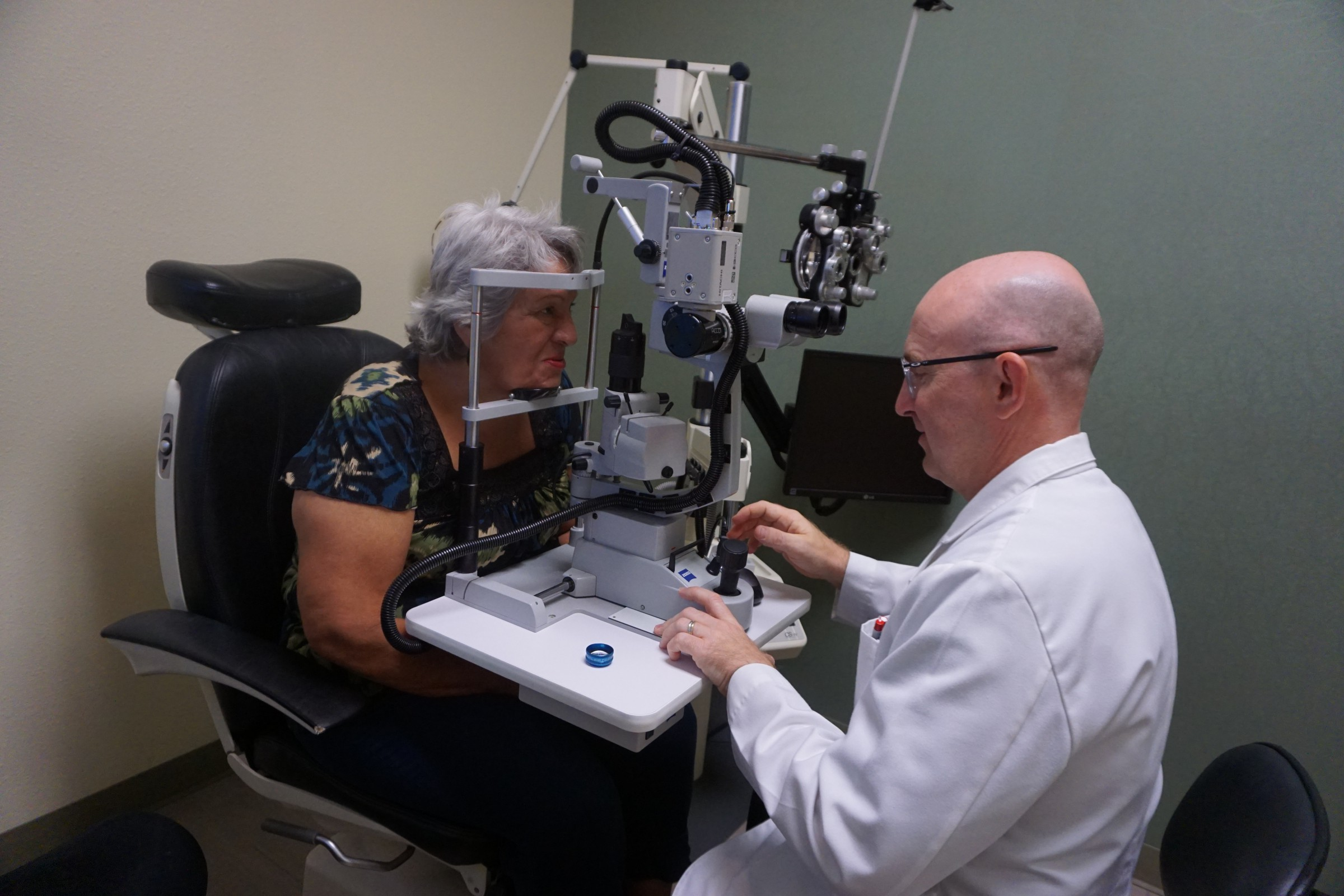 Dr. Kerry T. Holt performing eye exam, Optometrist in El Paso, TX