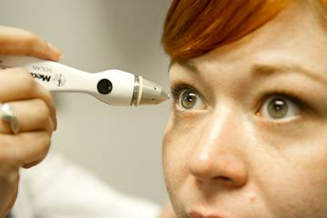 Thomas-Tonometer-Eye-1