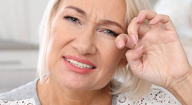 Dry Eye Senior Woman 640×350 1.jpg
