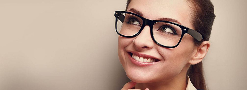 eye care, american woman wearing high index lenses in Freelton, ON