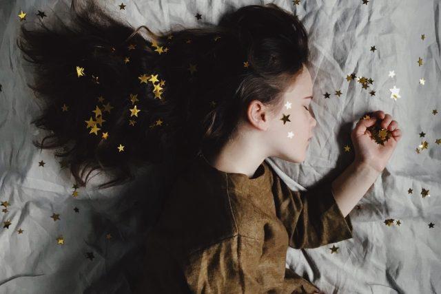 girl sleeping 1280x853