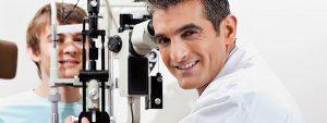 Eye Doctor giving Eye Exam in Irving