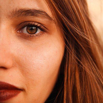 close up eye lips 640