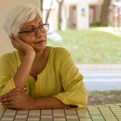 senior woman wearing eyeglasses 640