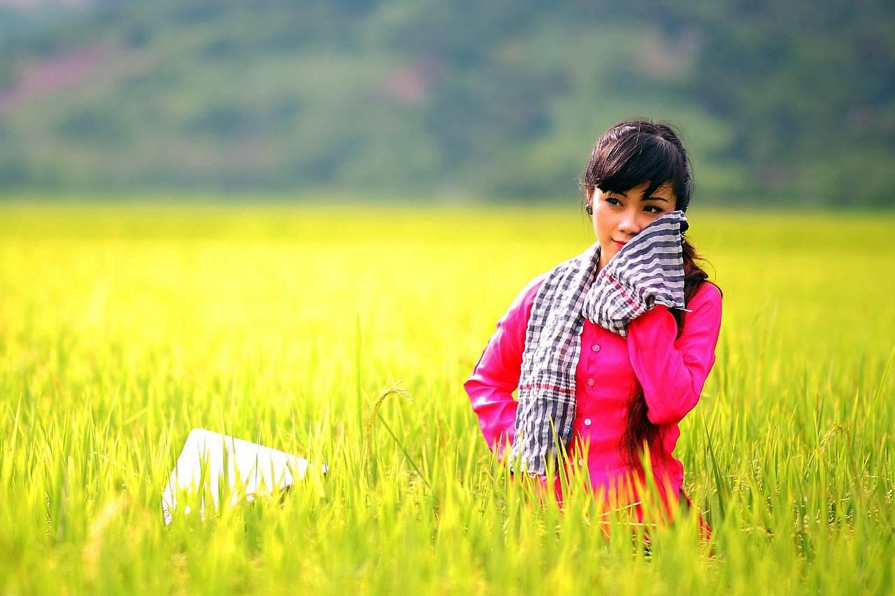 Girl in Wheat Filed 1280×853.jpg